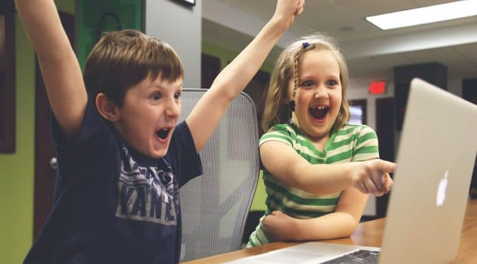 Децата и компютъра