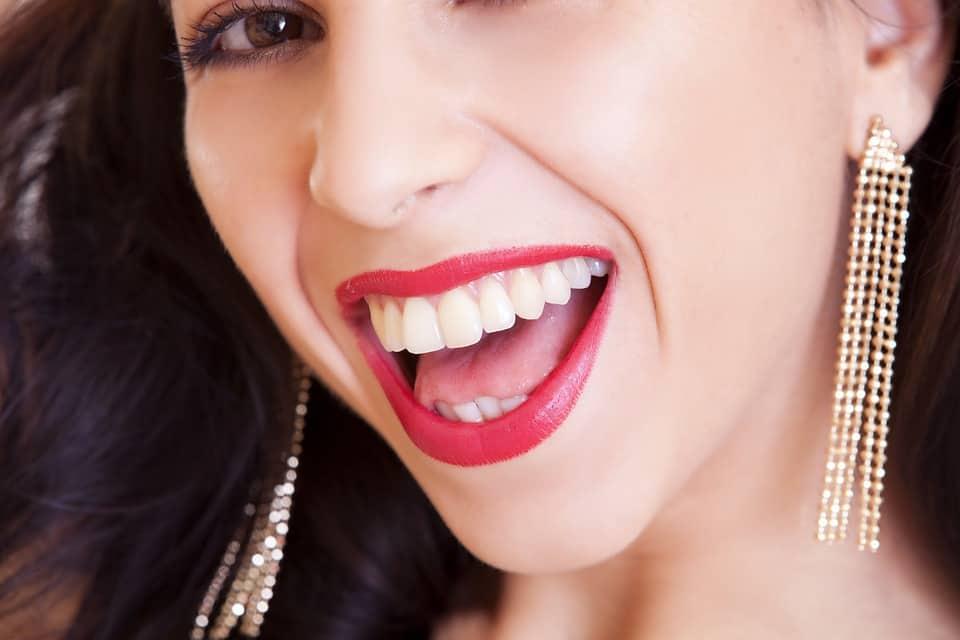 Красиви зъби усмивка